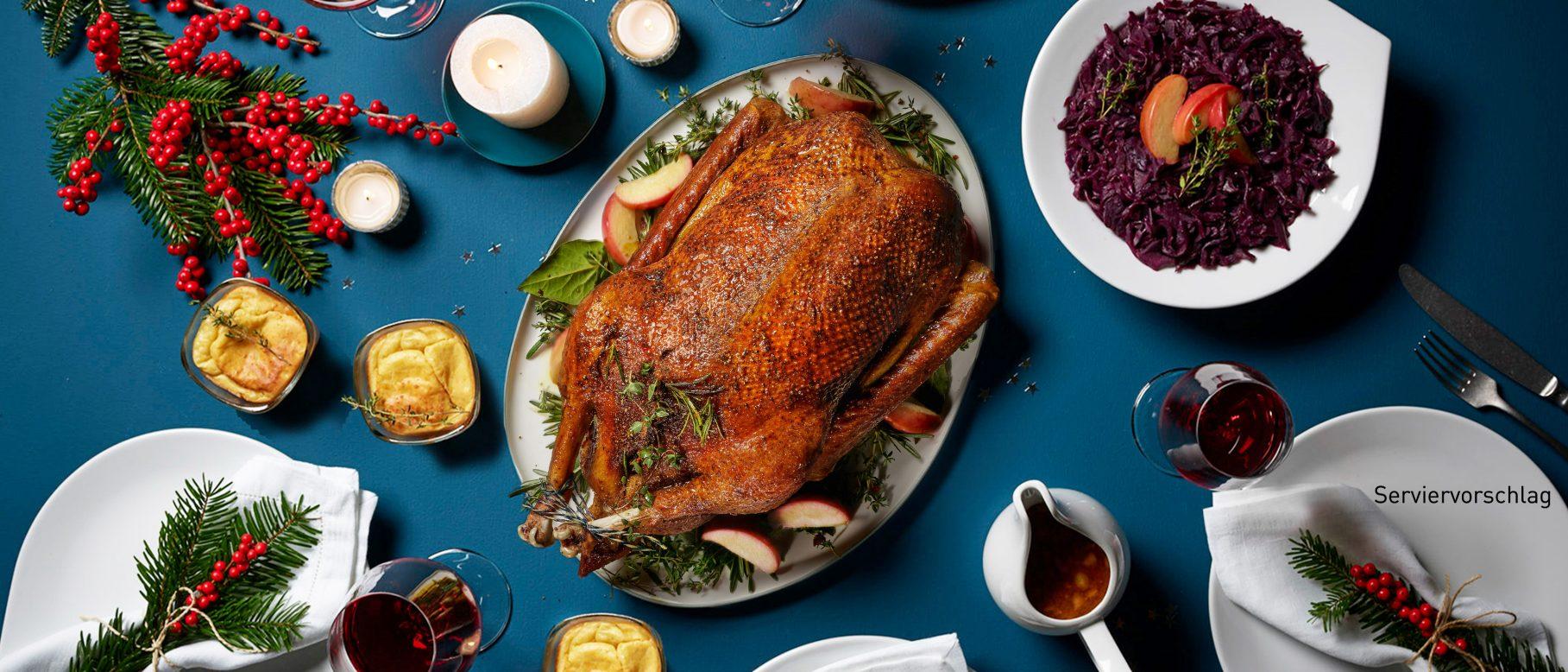 Aldi Rezepte Weihnachten.Gans Mit Bratapfelsosse Rotkohl Und Kartoffeltortchen Im Glas